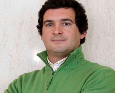 Paulo Almeida é o novo director-geral da Bestravel, tendo assumido o cargo no dia 3 de Junho. A nomeação de Paulo Almeida leva à reorganização da área ... - paulo_almeida_eleva_g_1230030203