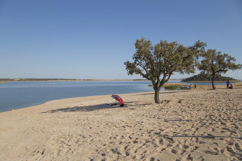 Resultado de imagem para grande lago alqueva